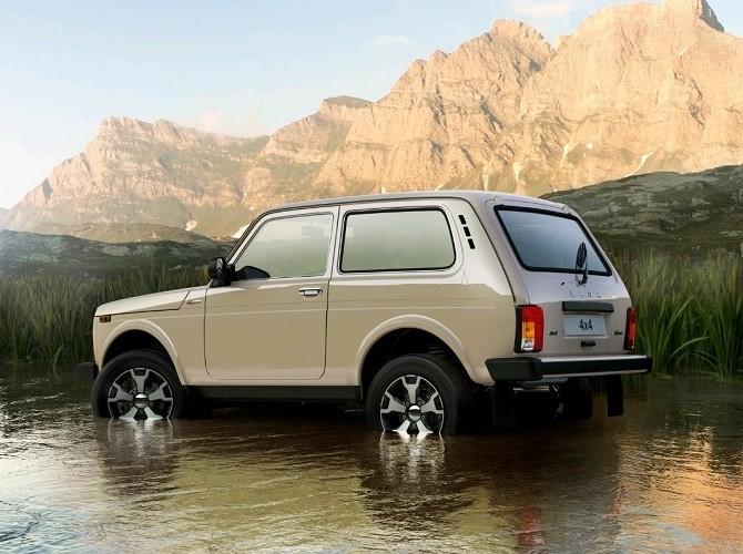 LADA 4x4 - самая распространенная модель сегмента SUV в России