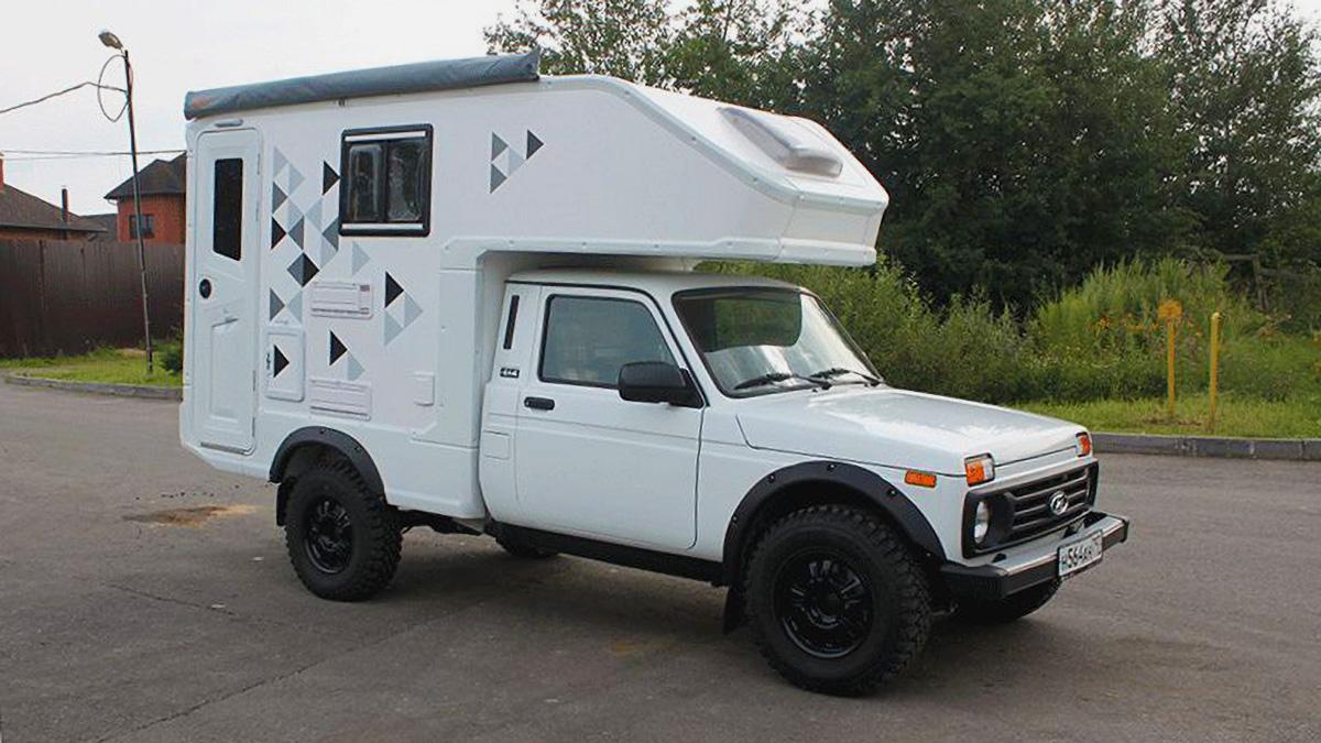 Lada 4x4 стала крутым автодомом со спальней и ванной